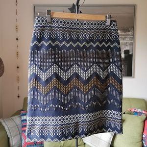Tristan US 4 skirt geometric design